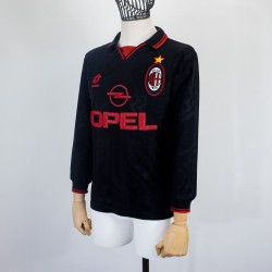MILAN FOURTH JERSEY LOTTO...